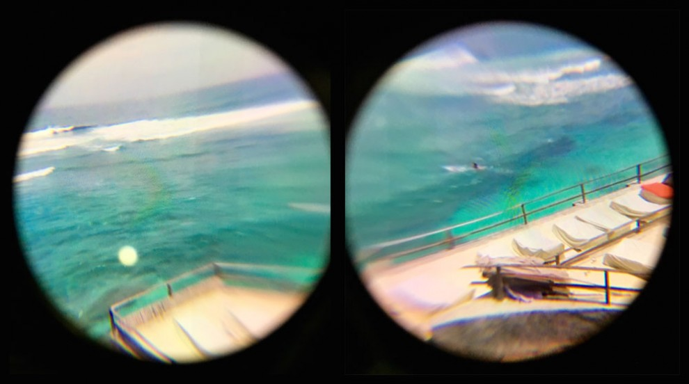 Left eye and right eye view of a beach from within a Samsung Gear VR.