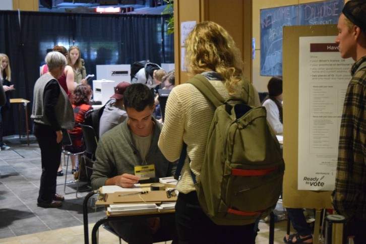 Students and Elections Canada volunteers Wednesday in the Dalhousie Student Union Building.