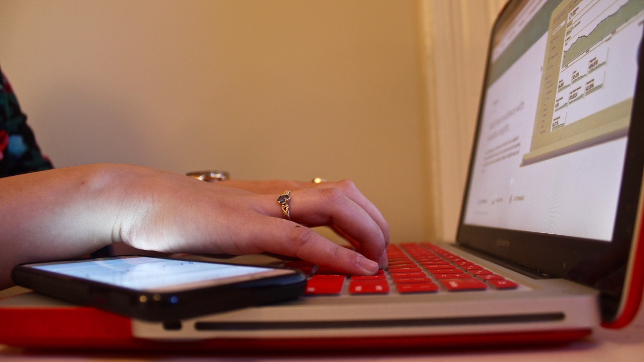 Some Nova Scotians still can't access the Internet – and they're not happy about it
