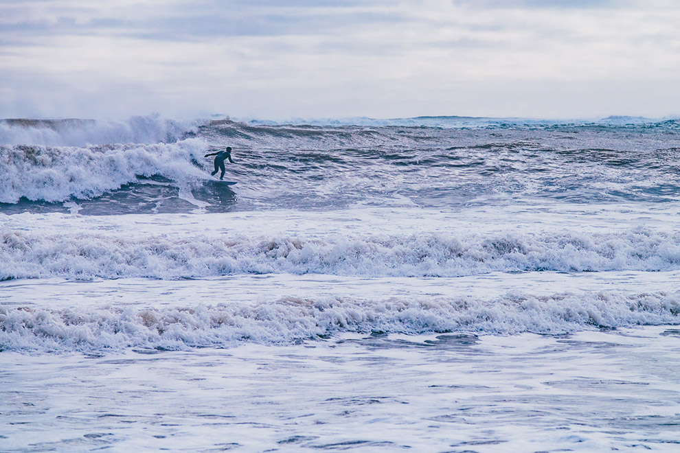 Winter_Surfing_Mel_Hattie-15