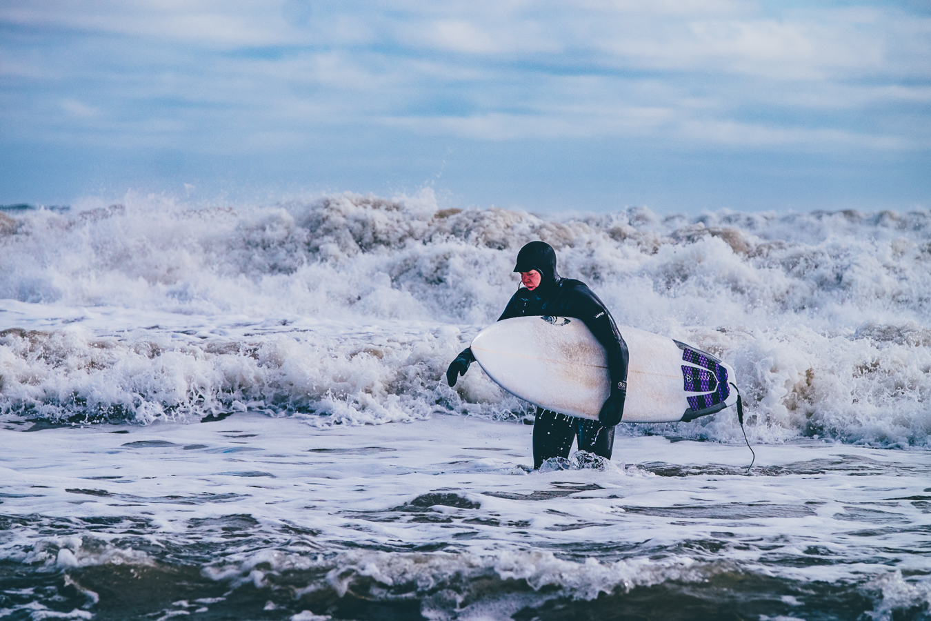 Winter_Surfing_Mel_Hattie-5