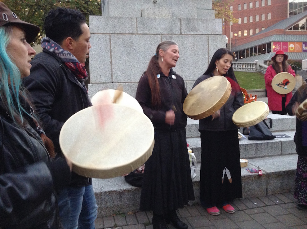 The ceremony for the Sisters in Spirit Vigil began with a prayer and drumming circle.