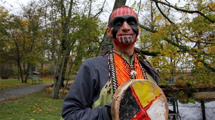Brad	'Caribou	Legs'	Firth	is	an	ultramarathon	runner	and	member	of	the	Gwich'in	First	Nations.