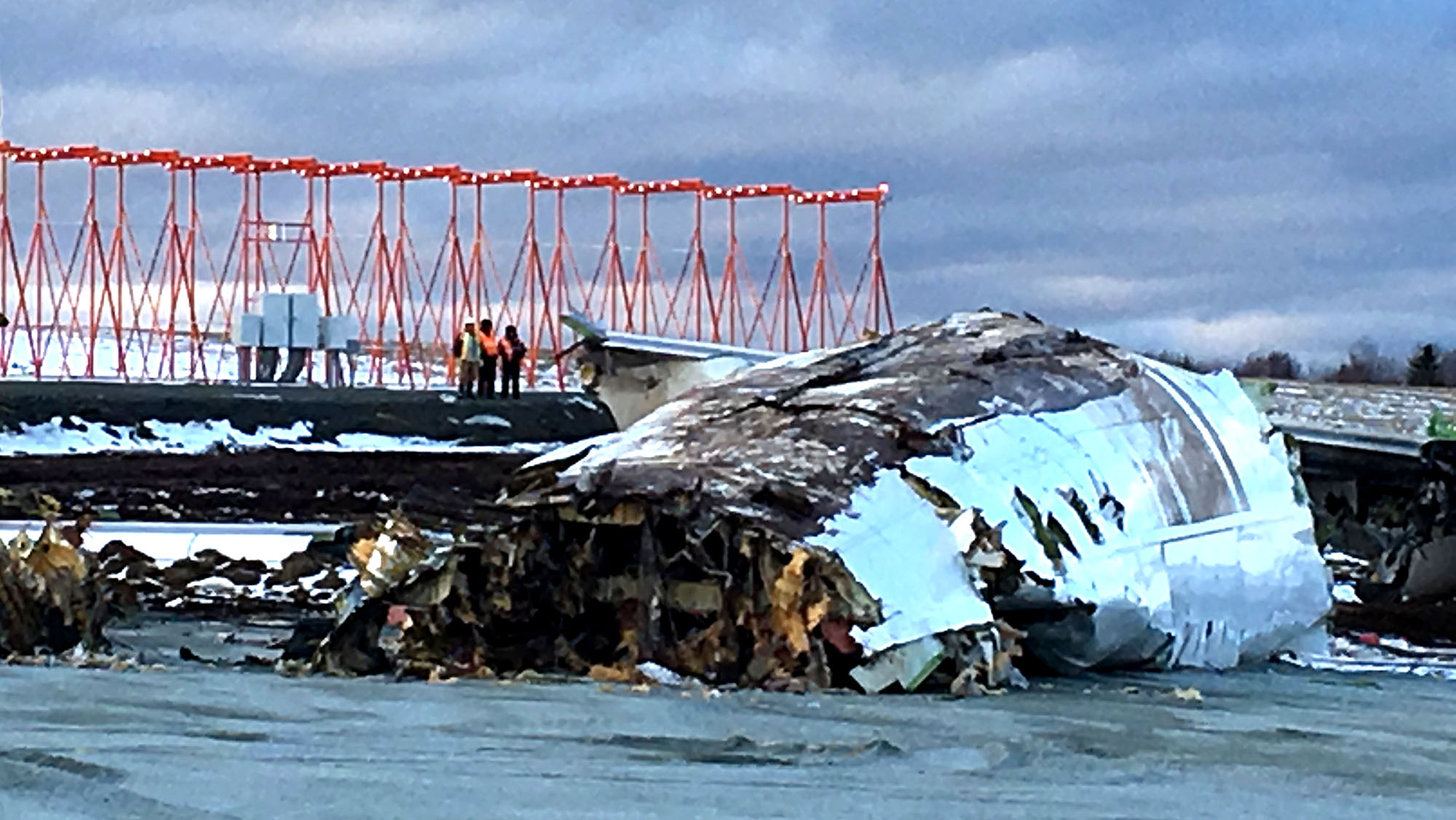 The tail of the 747 jet that ran off the runway at the Halifax airport was removed on Saturday.