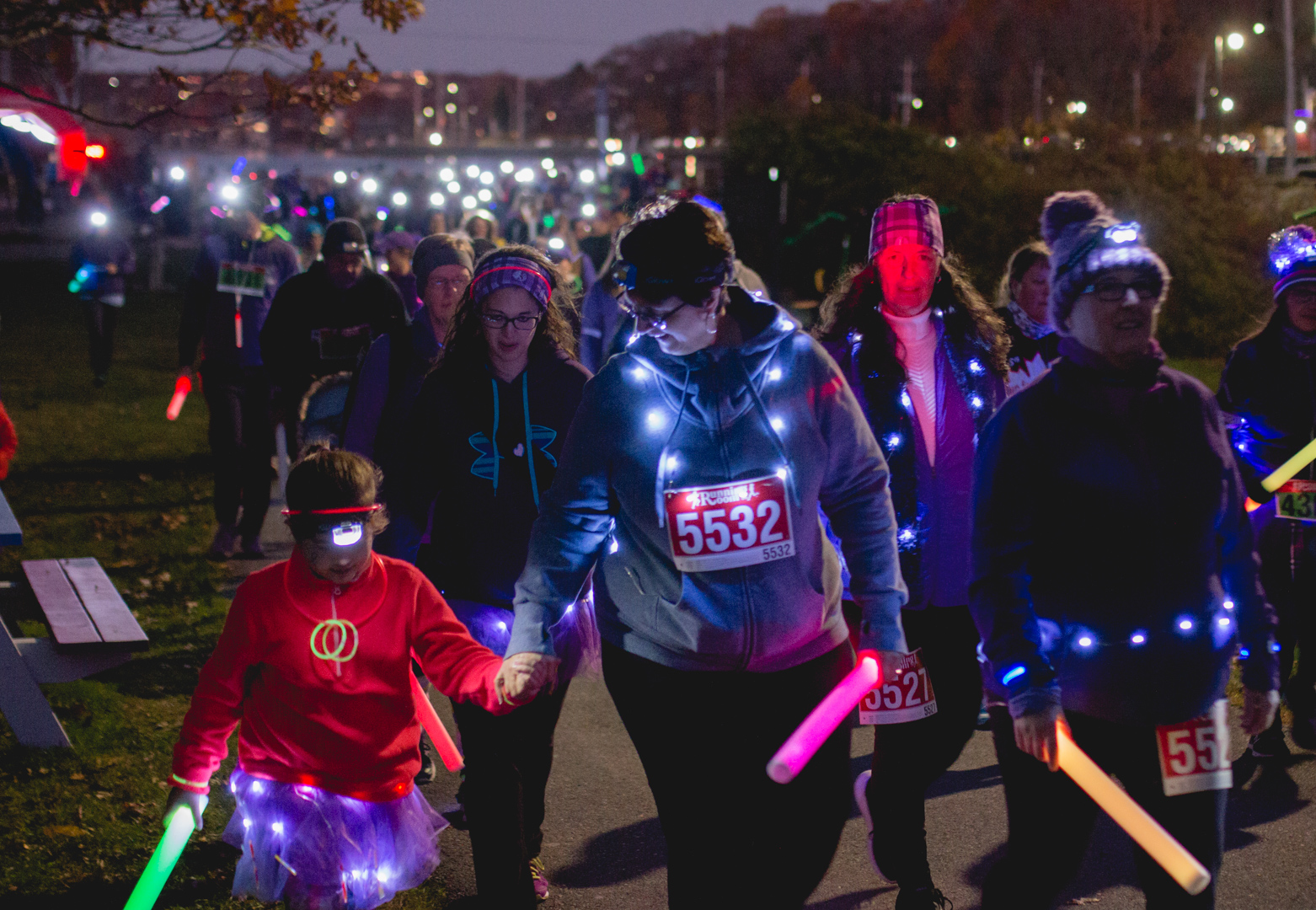 275 participants run or walk for the Light up the Lake race on Saturday.