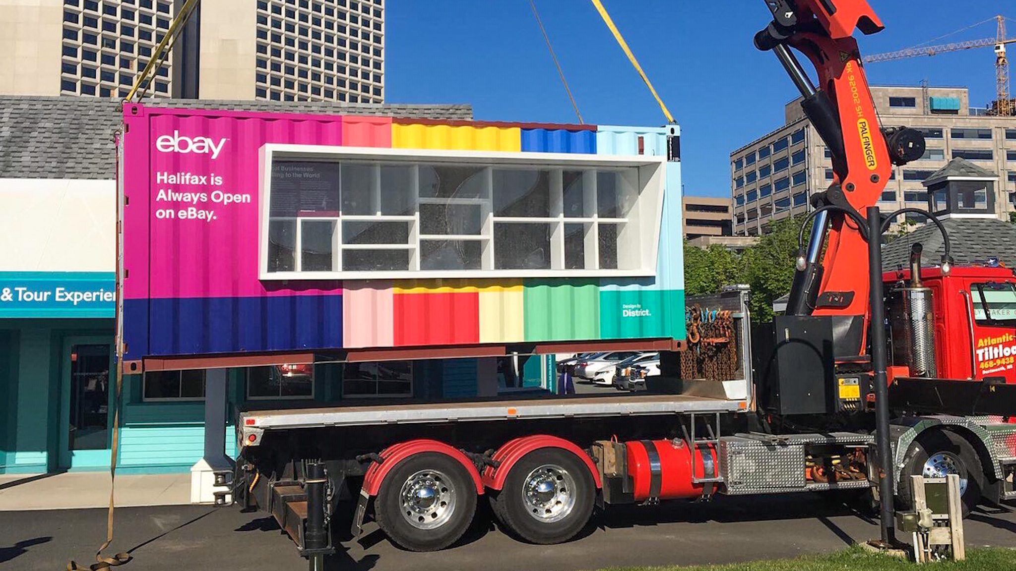 The eBay pop-up store that was placed on the waterfront last summer. Image provided by Saltbox Modern Engineered Spaces