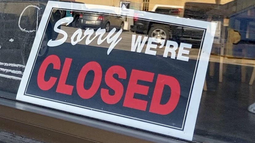 Store closure sign at a local restaurant